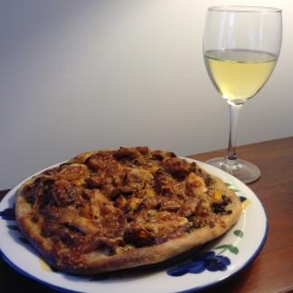 Pizza w: Chicken, Pesto & Chanterelles
